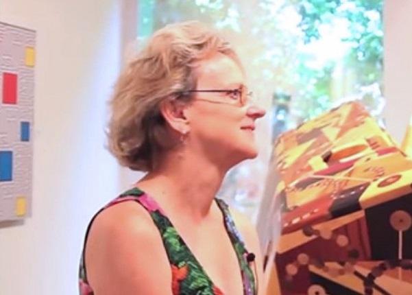 Eleanor Heartney a radical & conservative art critic